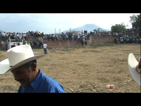 La Labor 2010 - Jaripeo TORO SIN JINETE - Enero 1, 2009 - ZAMORA MICHOACAN MEXICO