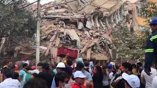 Volunteers join frantic search for survivors of Mexico City earthquake - WASHINGTONPOST