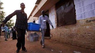 إغلاق مراكز الاقتراع في السودان بعد استمرارها أربعة أيام