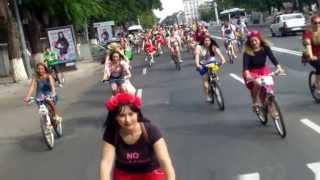 #Skirtbyke #Chișinău. Fete (și nu doar ele) pe biciclete