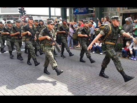 Desfile do 23º BI no dia 7 de Setembro de 2014 - Farol Blumenau
