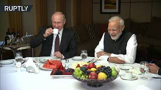 Lavish Sochi tour: Putin & Modi meet for first informal summit - RUSSIATODAY