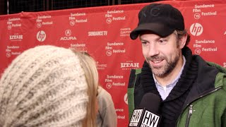 Jason Sudeikis Talks Co-star Alison Brie In 'Sleeping With Other People' (SUNDANCE 2015) - HOLLYWIRETV