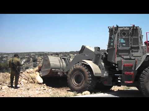 Israeli army levels land in Izbat Tabib