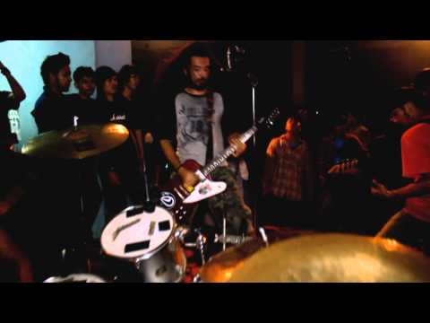 Besok Bubar - Salah tangkap (single 2012)