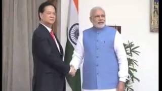 28 oct,2014 - Vietnam PM meets Indian counterpart Modi to boost ties - ANIINDIAFILE