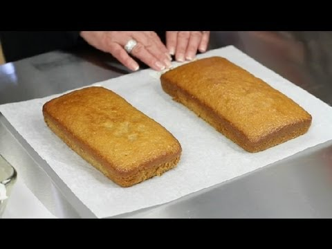 Oven Temperature Difference if Using a Metal or Glass Baking Pan : Desserts & Baking Tips
