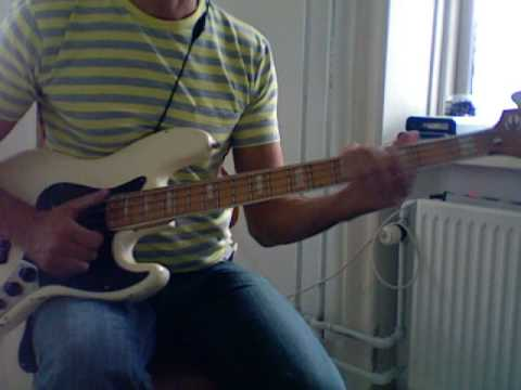 L127 Slap bass fill in A