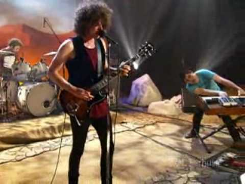 Wolfmother - Joker and the Thief Live at AOL Music Sessions