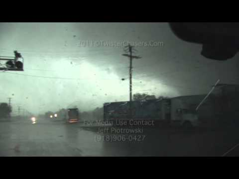 EF 5 Joplin Tornado and Aftermath May 22, 2011.mov