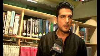 Zayed Khan and other Bollywood stars participated in a 'Peacewalk' for 26/11 | Bollywood News