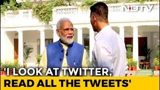 PM Stumps Akshay Kumar With Mention Of His Wife Twinkle. She Reacts - NDTV