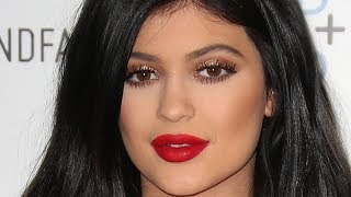 Kylie Jenner's 21st Birthday Continues! | Hollywire - HOLLYWIRETV