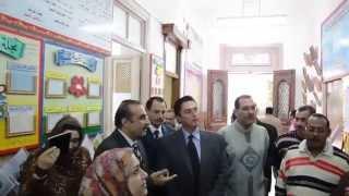 شاهد- محافظ الإسكندرية يقترح استخدام شاشات LCD لجذب انتباه التلاميذ