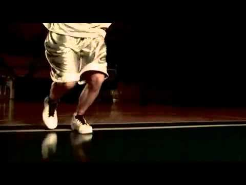 Basketball: Behind the back crossover - signature move of Steve Nash