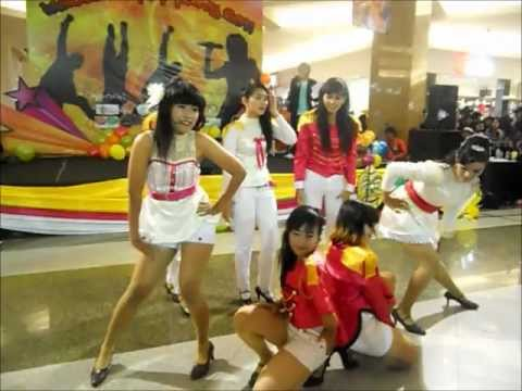 [SBSquad] [111231] SNSD Medley + New.F.O Cover Dance (SOSHIQueen) @ INDOSAT KPOP PARTY 2011