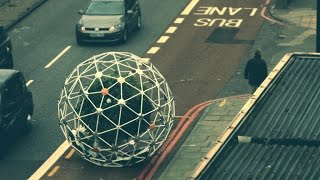 Sphere full of plants rolls around town autonomously (Tomorrow Daily 355) - CNETTV