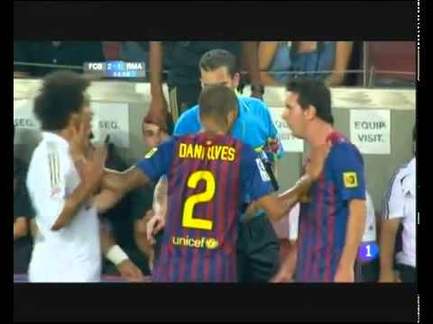 Super cup spain-Pelea marcelo y messi-barcelona VS real madrid-supercopa-17-08-2011