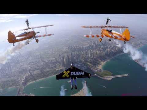 Jetman Dubai and the Breitling Wingwalkers – 4K