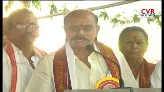 Police Stops Durga Temple Chairman Gouranga Babu | Devi Navaratrulu 2018 | CVR NEWS - CVRNEWSOFFICIAL