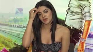 Sakshi Choudhary Interview About Selfie Raja Movie   TFPC - TFPC