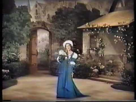 Jeanette MacDonald sings 'Marguerite' from Gounod's Faust