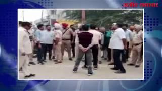 video : दिनदिहाड़े लुटेरा 5 लाख और स्कूटरी लेकर फरार, घटना सीसीटीवी में कैद