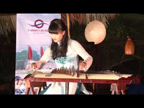 Vietnamese Traditional Musical Instrument - Dan Tranh at Soi Sim Beach, Halong Bay