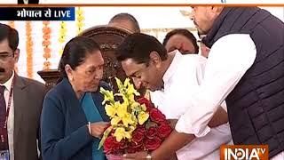 Congress CMs' swearing-in ceremony: Kamal Nath takes oath as 18th CM of Madhya Pradesh - INDIATV