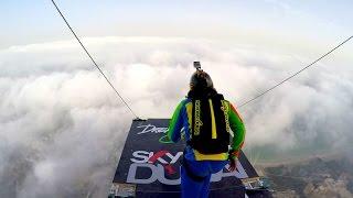 قفزة مجنونة من أطول أبراج دبي