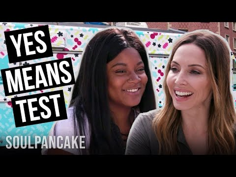 Whitney Cummings Talks STDs Over Smoothies!