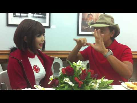 "Kuya Kim doing a ""magic trick"" on Alodia!"
