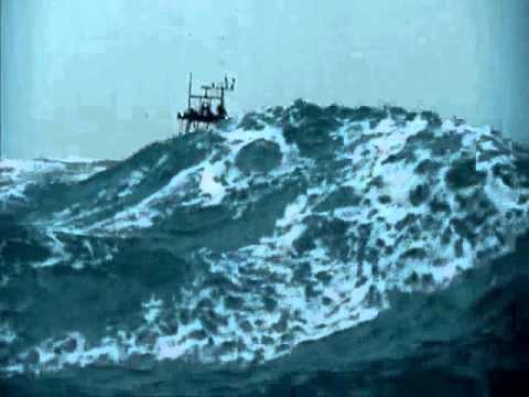 50 ft seas extremely rough water