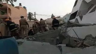 3 Storey building collapse in Bengaluru, 4 people trapped - NEWSXLIVE