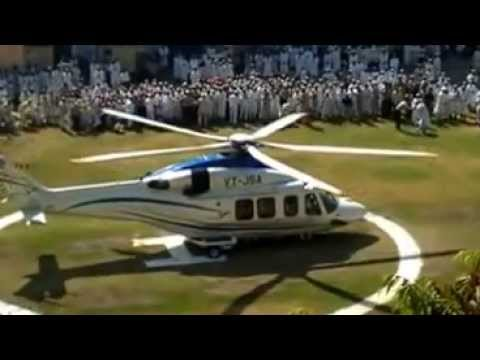 Syedna Mohammad Burhanuddin departing from Surat after Ashara 1434H via helicopter