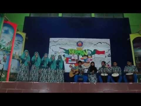 Season on Stage - Musikalisasi Puisi