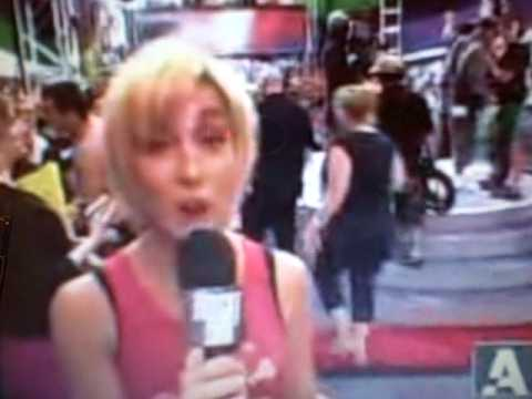 Kellie Pickler 2006 MTV Movie Awards Red Carpet hilarious 
