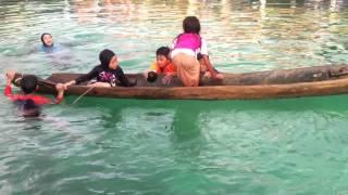 La canoa se estaba hundiendo, Mira que hizo ella!!