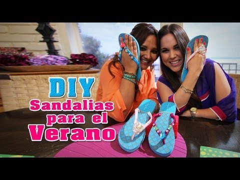 DIY: Cómo decorar sandalias para el Verano / How to decorate Summer Flip Flops - Fun DIY's con Karla