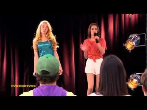 Violetta Momento Musical - Violetta y Ludmila cantan