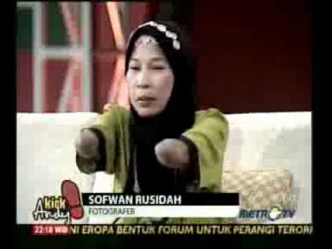 iProud - Rusidah: Fotografer Wanita Tanpa Jari Tangan di Kick Andy.flv