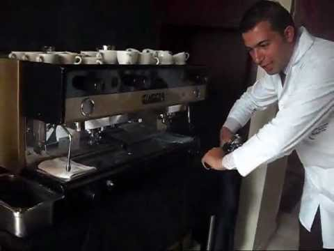 BARISTA Mario Andres Prieto latte art SENA