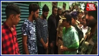 Defence Minister Nirmala Sitharaman Visits Family Of Martyred Soldier Aurangzeb - AAJTAKTV