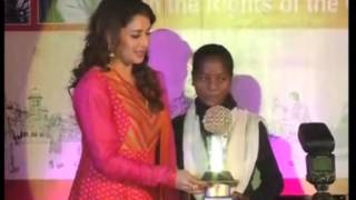 23 Nov, 2014 - Madhuri Dixit, UNICEF brand ambassador, dedicates Literature Carnival - ANIINDIAFILE
