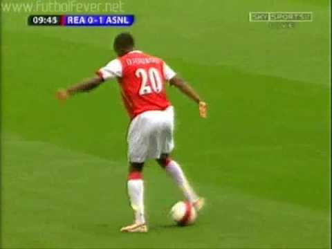 World greatest Trick by Fc Arsenals Defender Johan Djourou