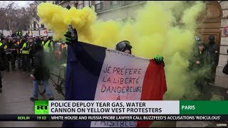 Yellow Vests, round 10: Thousands clash with police on streets of Paris - RUSSIATODAY