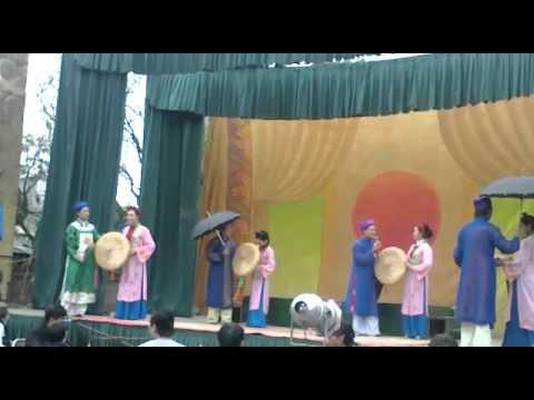 nhà hát chèo việt nam(9/1 âm lịch) tại Đồng Hương-Hương Mạc-Từ Sơn-Bắ