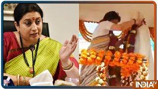 Smriti Irani slams Priyanka Gandhi for putting used garland around Lal Bahadur Shastri statue - INDIATV