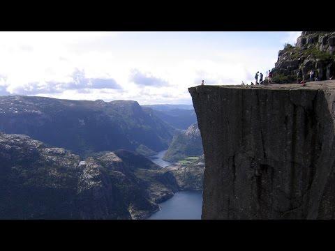 Preikestolen BASE jump - Aerial Extreme