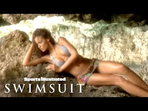SI Swimsuit 2007 Selita